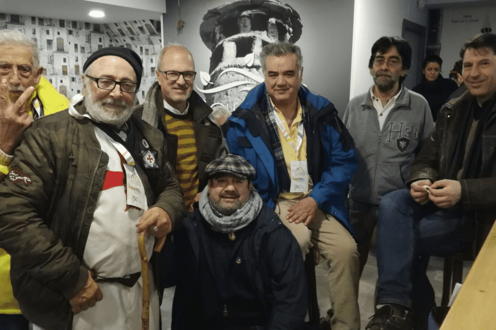 Jose Almeida con Jato, Pombo,Tomas y otros peregrinos