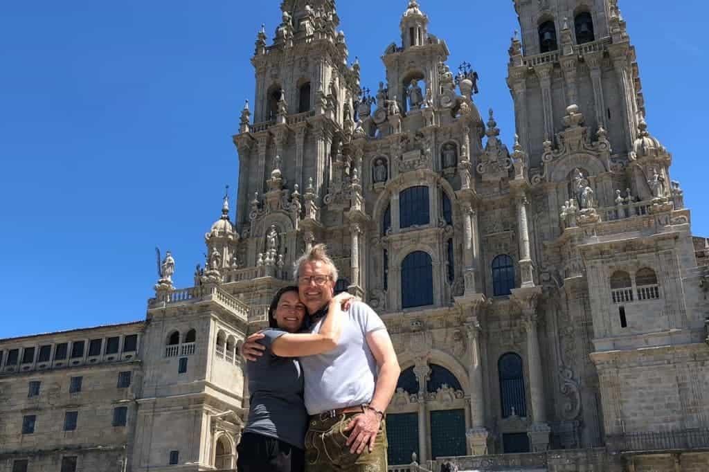 El Camino People The Podcast- Jose Mari ardanaz and Naomi Simpson- Finding love in el Camino